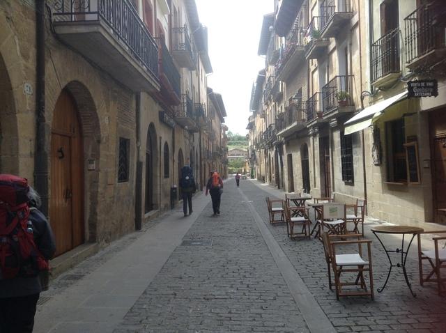 プエンテ・ラ・レイナの道