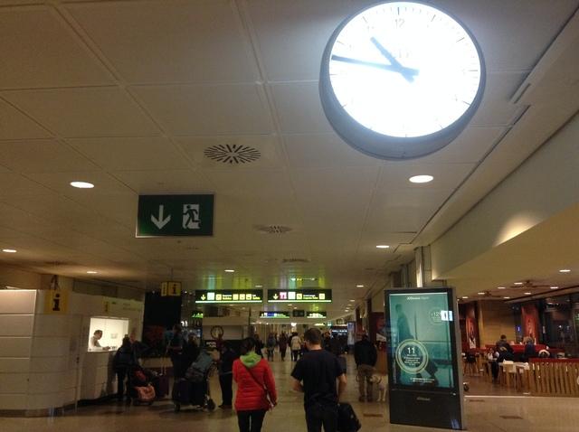 マドリード空港到着