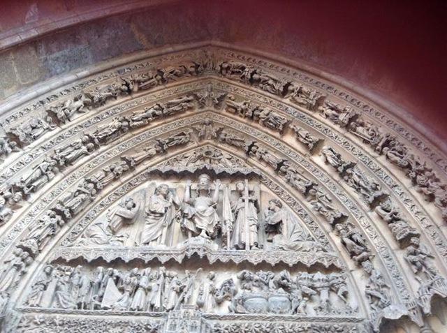 レオン大聖堂、入り口タンパン、最後の審判